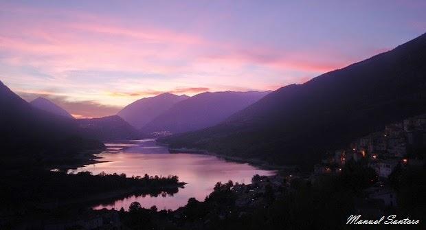 Barrea, tramonto sull'omonimo Lago