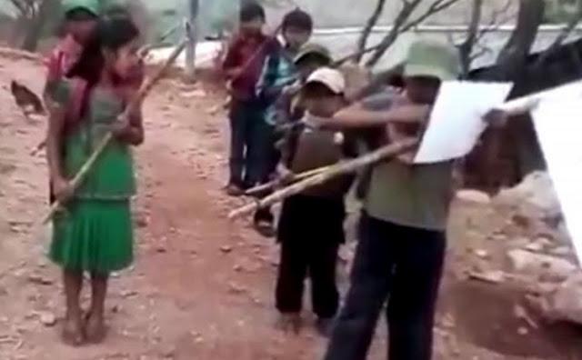 """""""Por cada policía comunitario ejecutado, les matamos a 10 sicarios"""", Grupo de niños advierten combatir a """"Los Ardillos"""""""