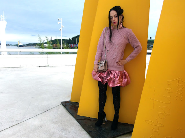 fashion, moda, look, outfit, blog, blogger, walking, penny, lane, streetstyle, style, estilo, trendy, rock, chic, cool, party, ropa, cloth, garment, 80, inspiration, fashionblogger, art, photo, photograph, pink, sculpture, asos, newlook, boohoo, Avilés, asturias, niemeyer,
