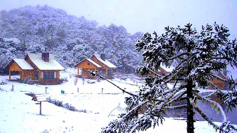 Casas Cobertas por Neve em Bom Jardim da Serra