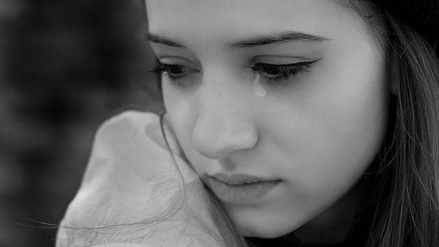 50+ ảnh girl xinh buồn, hình ảnh con gái buồn khóc cô đơn