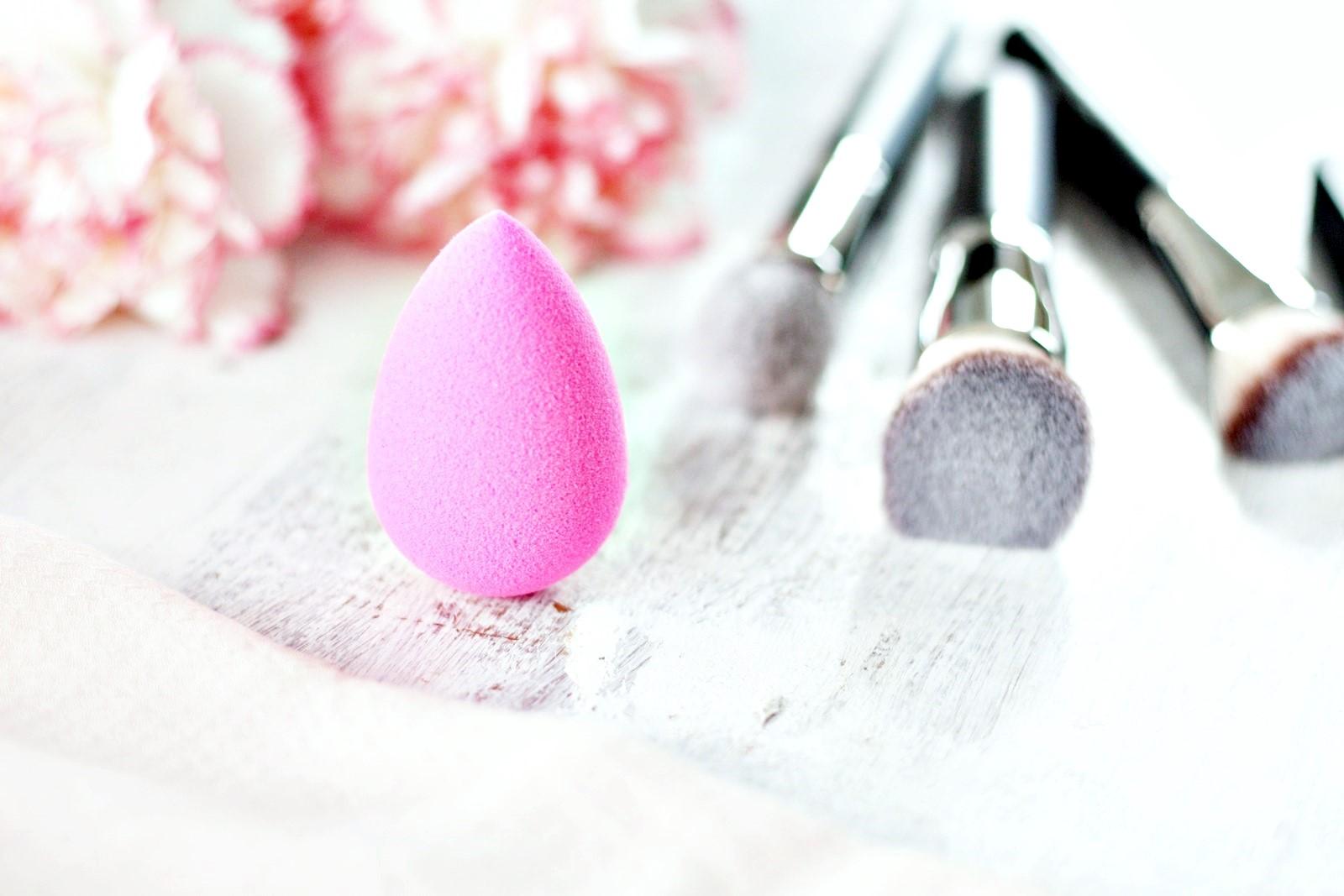 BeautyBlender czy pędzel Hakuro H50?