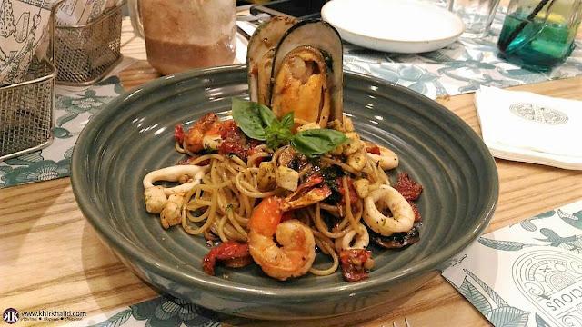 Delicious Cafe One Utama,