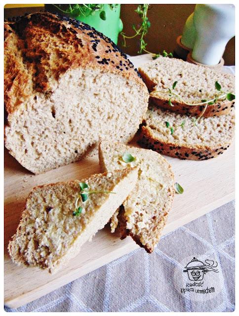 Domowy chleb na drożdżach  z domieszką płaskurki.