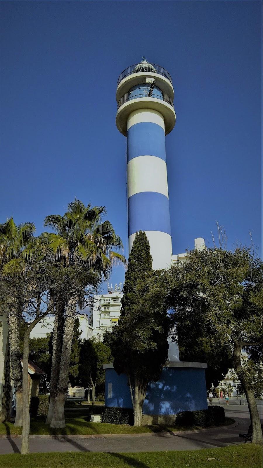Notas cordobesas los cinco faros de torre del mar for Cerrajero torre del mar