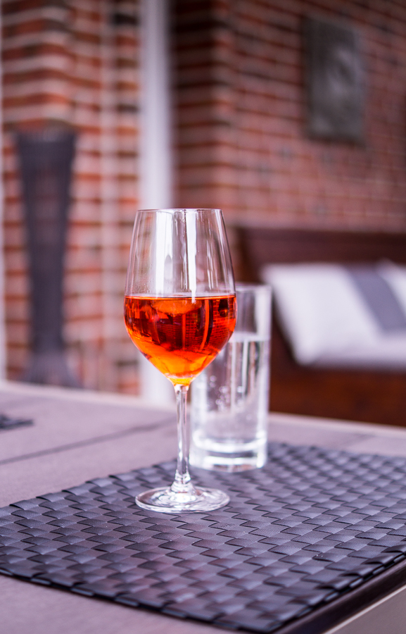 Blog + Fotografie by it's me | fim.works | Ein Garten im Norden | Aperol-Spritz