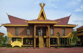 Keunikan-Rumah-Adat-TRADISIONAL-Lampung-Nuwou-Sesat-arsitektur-sketsa