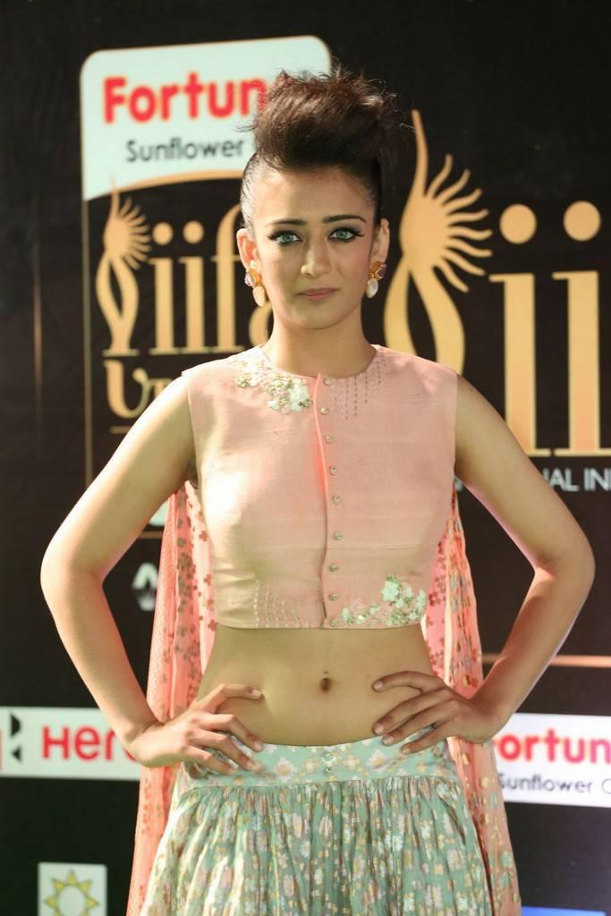 Telugu Actress Akshara Haasan At IIFA Awards 2017 In Pink Dress