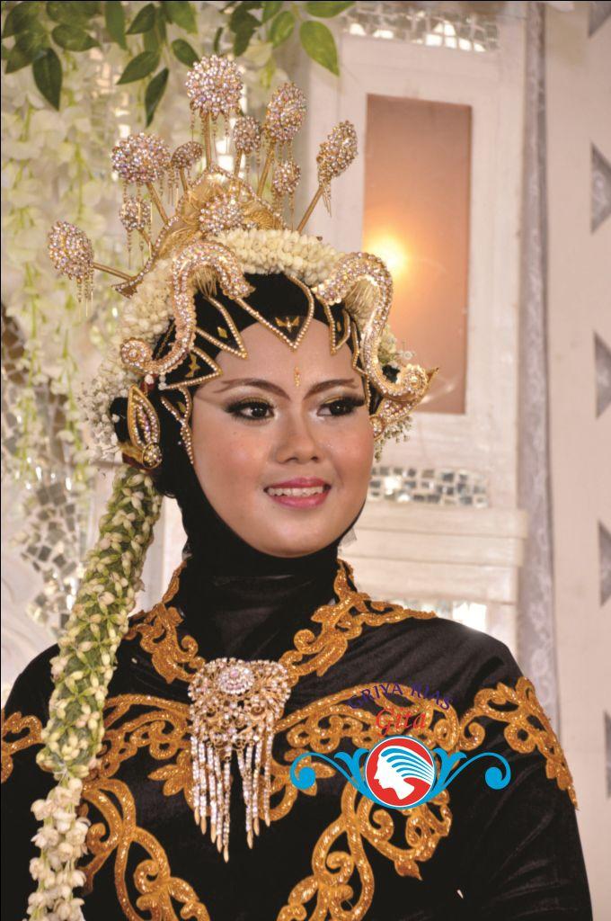 Busana Pengantin Jawa Paes Muslim Modern