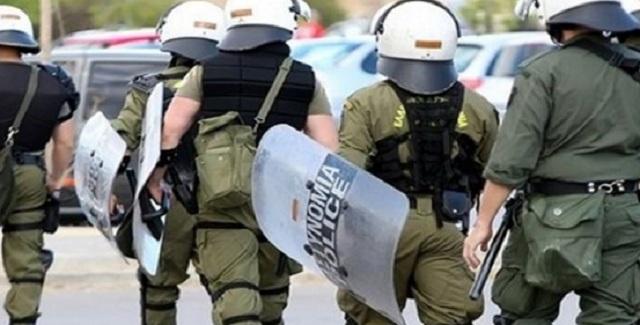 Ακροαριστεροί των Εξαρχείων ξυλοκοπήθηκαν ανηλεώς από πολίτες στην Πανεπιστημίου - Ακόμα τρέχουν τα σιχάματα!