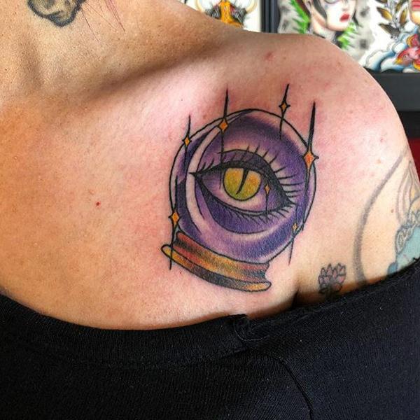 tatuagens femininas para a clavícula