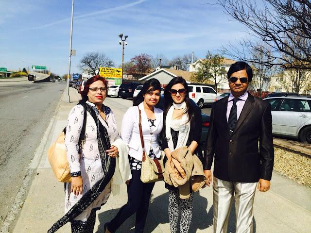 Bidya Sinha Saha Mim With Her Father, Mother And Sister