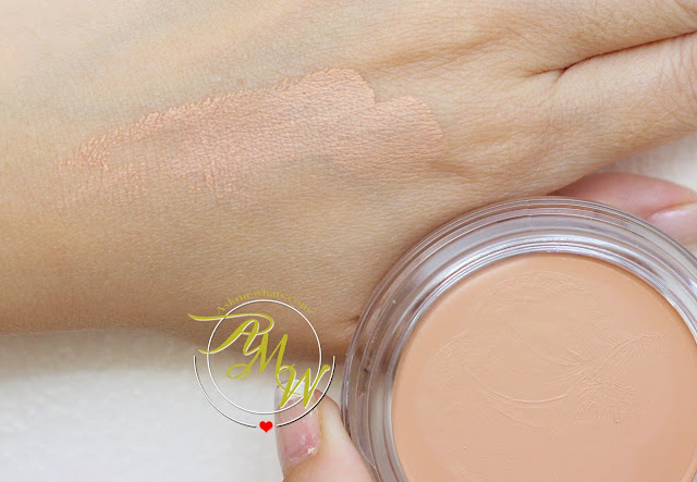 a swatch photo of Max FactorX Miracle Touch Skin Smoothing Foundation