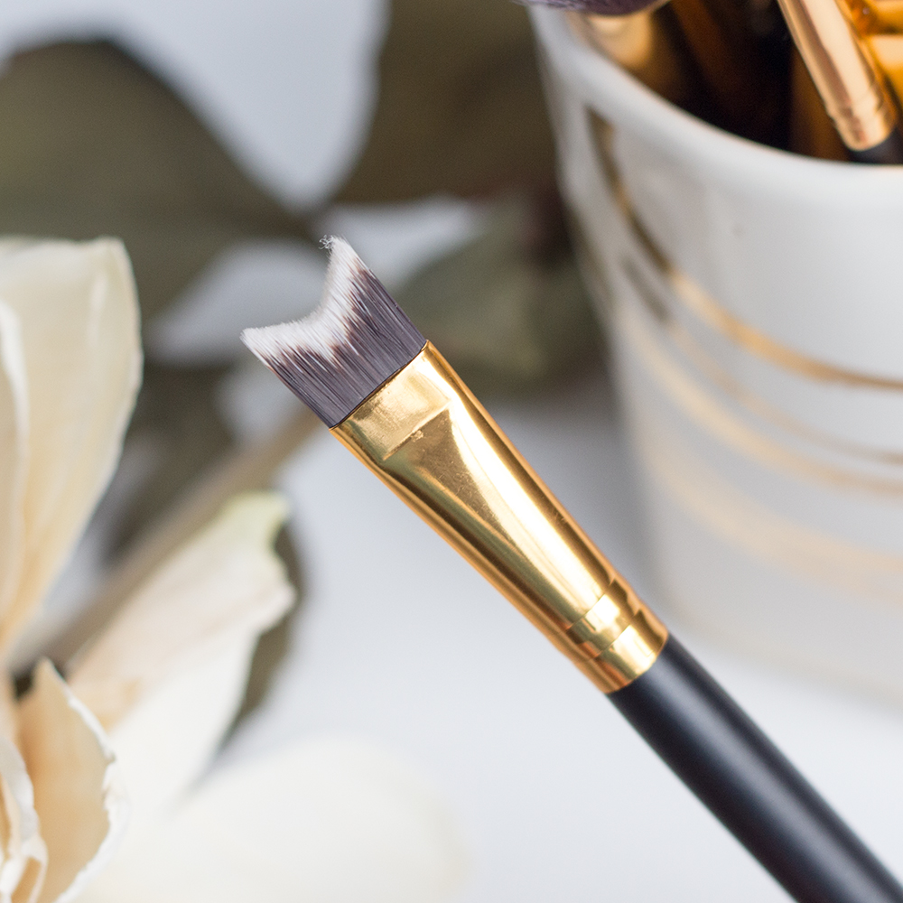 BH Cosmetics Sculpt & Blend 2 Nose Contour Brush