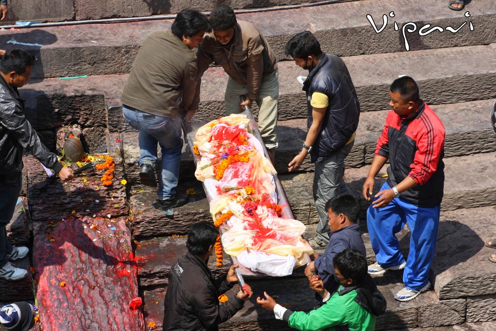 ritos funerarios hindúes 06
