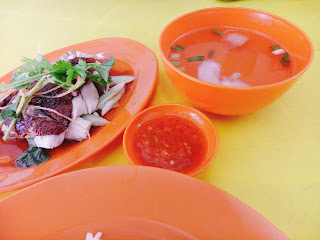 Roast Chicken Rice set, comes with a bowl of light and sweet soup