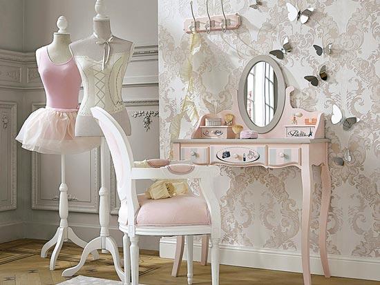 Blog de mbar muebles un dormitorio rom ntico para la - Apliques de pared clasicos ...