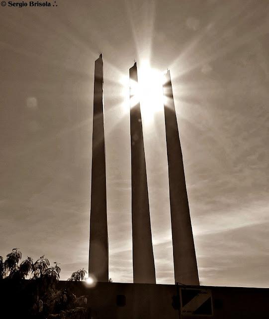 Perspectiva dos Obeliscos da Praça Heróis da FEB - Santana São Paulo