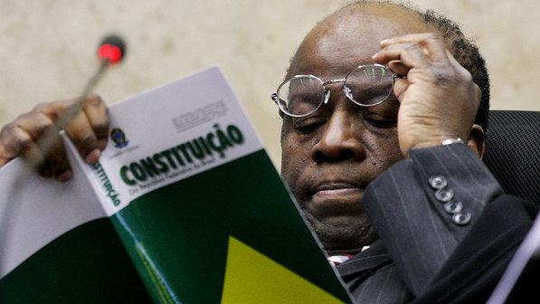 Ex-ministro do STF Joaquim Barbosa sonegou impostos através da Mossack Fonseca