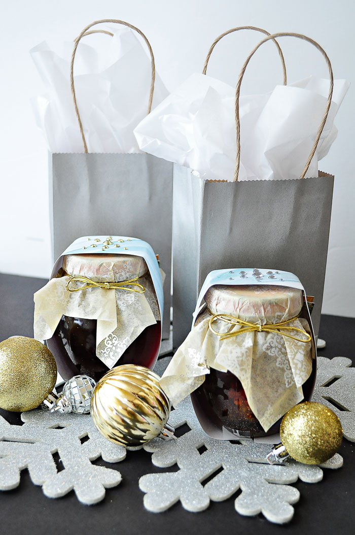Creative gift idea plus DIY wrap tutorial for foodie gifts under $10!