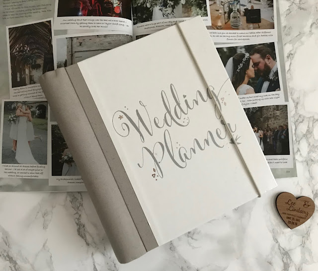 wedding planner book and wedding magazine