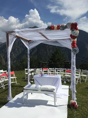 Ceremonia al aire libre con vistas privilegiadas en Andorra, un entorno rural