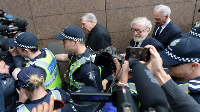 El cardenal George Pell comparece ante la corte por abusos sexuales
