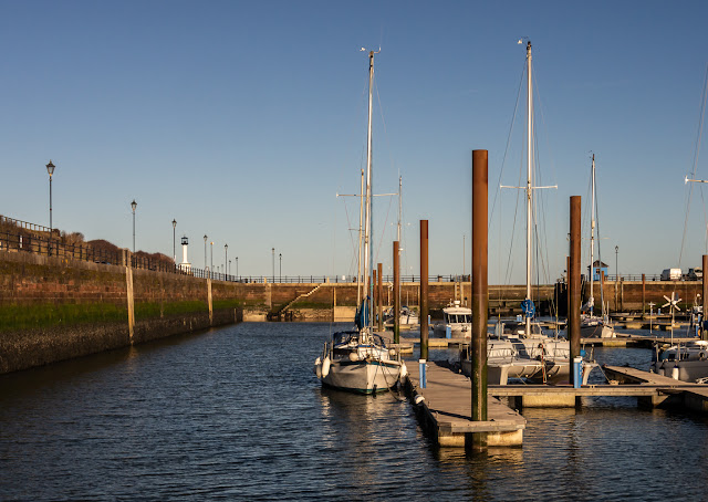 Photo of clear blue sky at Maryport Marina on Thursday