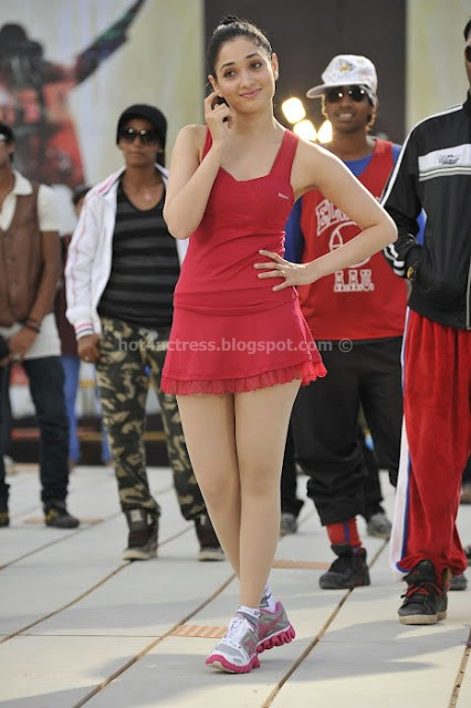 Tamanna hot and spicy thigh show photo gallery