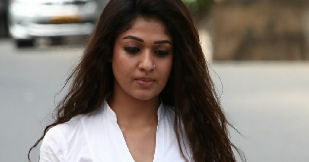 Nayanthara Hd Images 25 Cute Pictures: Nayanthara HD Cute Photos Wallpapers I Malayalam Actress