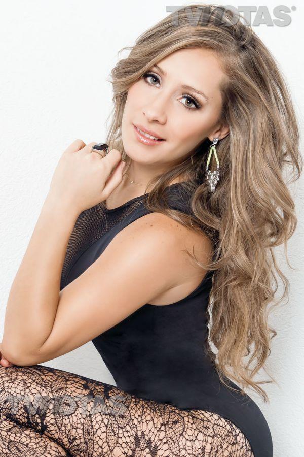 Foto Gaby Carrillo For Tv Notas Magazine Latina Novela