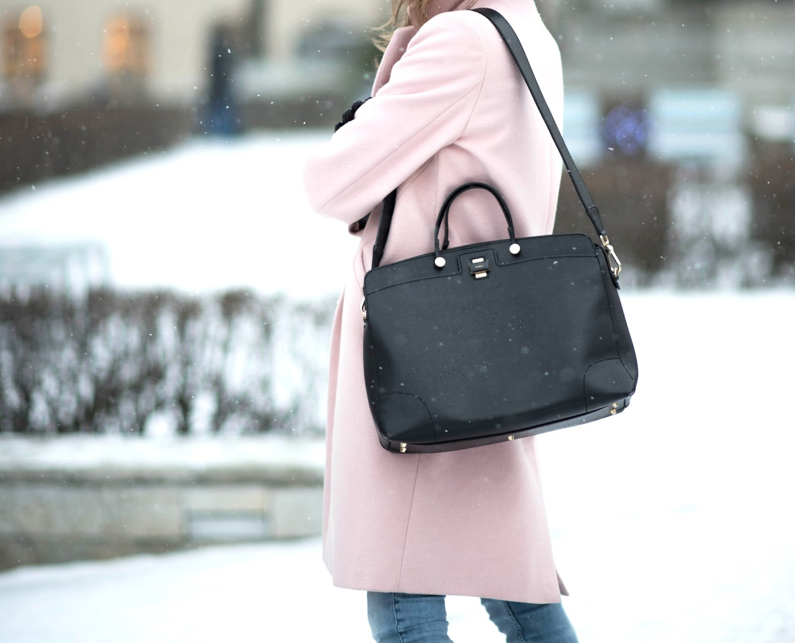 pink coat black bag outfit