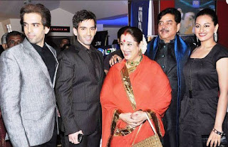 Luv Sinha Family Wife Son Daughter Father Mother Marriage Photos Biography Profile.