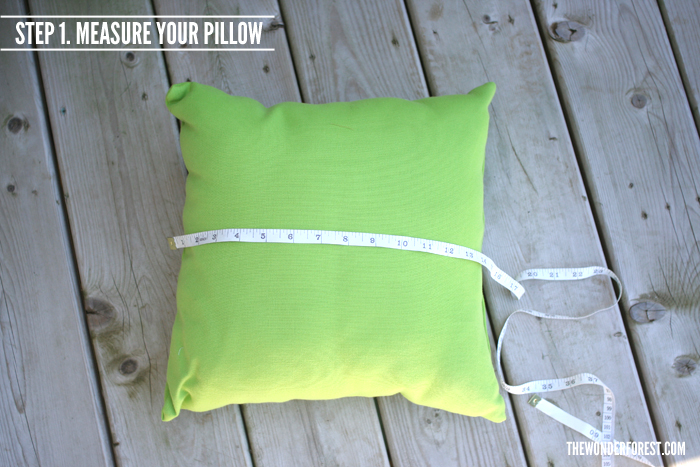 5 Minute Pillow Covers Tutorial | Wonder Forest: Design ...