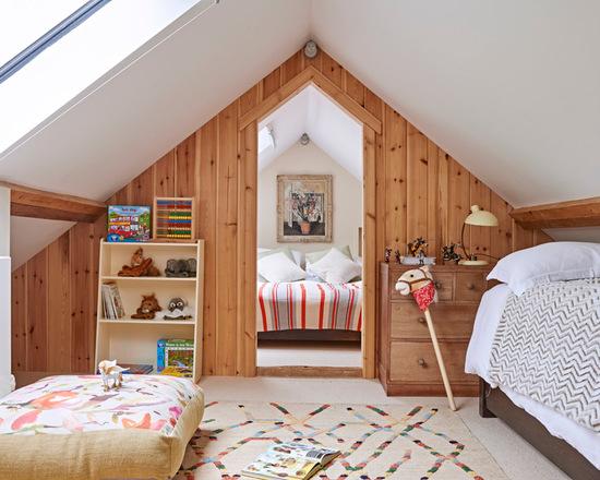 уютная комната для детей с белым потолком