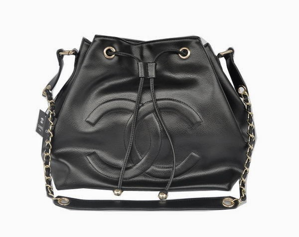 7f25d002acf2 Stylish Handbags Share  Chanel Hobo Shoulder Bag in Calfskin Leather A46623  Black.