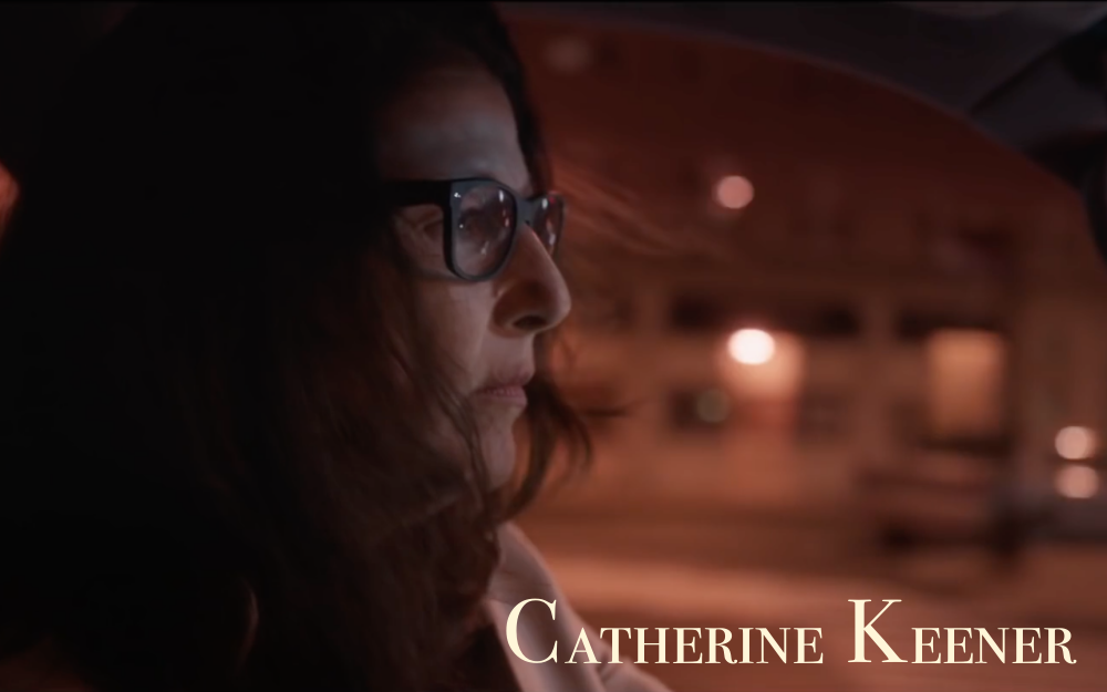 """Wir gehören nicht hierher"" - ""We don't belong here"" - Screen capture Catherine Keener"