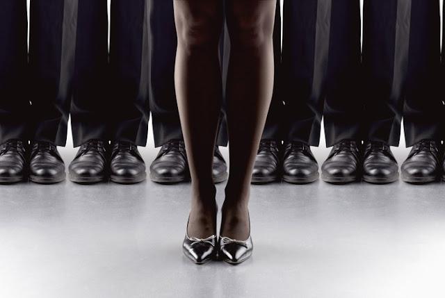 Работа для девушек в мужском коллективе веб девушка модель работа регистрации