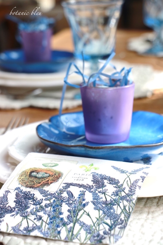 lavender-flower-strewn-paper-napkin-for-spring-table