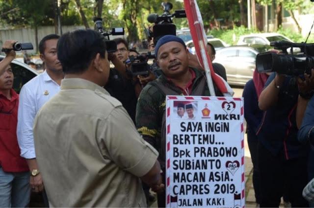 Jalan Kaki dari Tegal ke Jakarta, Rahman Akhirnya Bertemu Prabowo