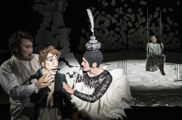 Offenbach: Tales of Hoffmann for children - Young Woo Kim (Hoffmann), Arnheidur Eiríksdóttir (Muse), Kathrin Zukowski (Antonia) - Opera Cologne (Photo © Matthias Jung)
