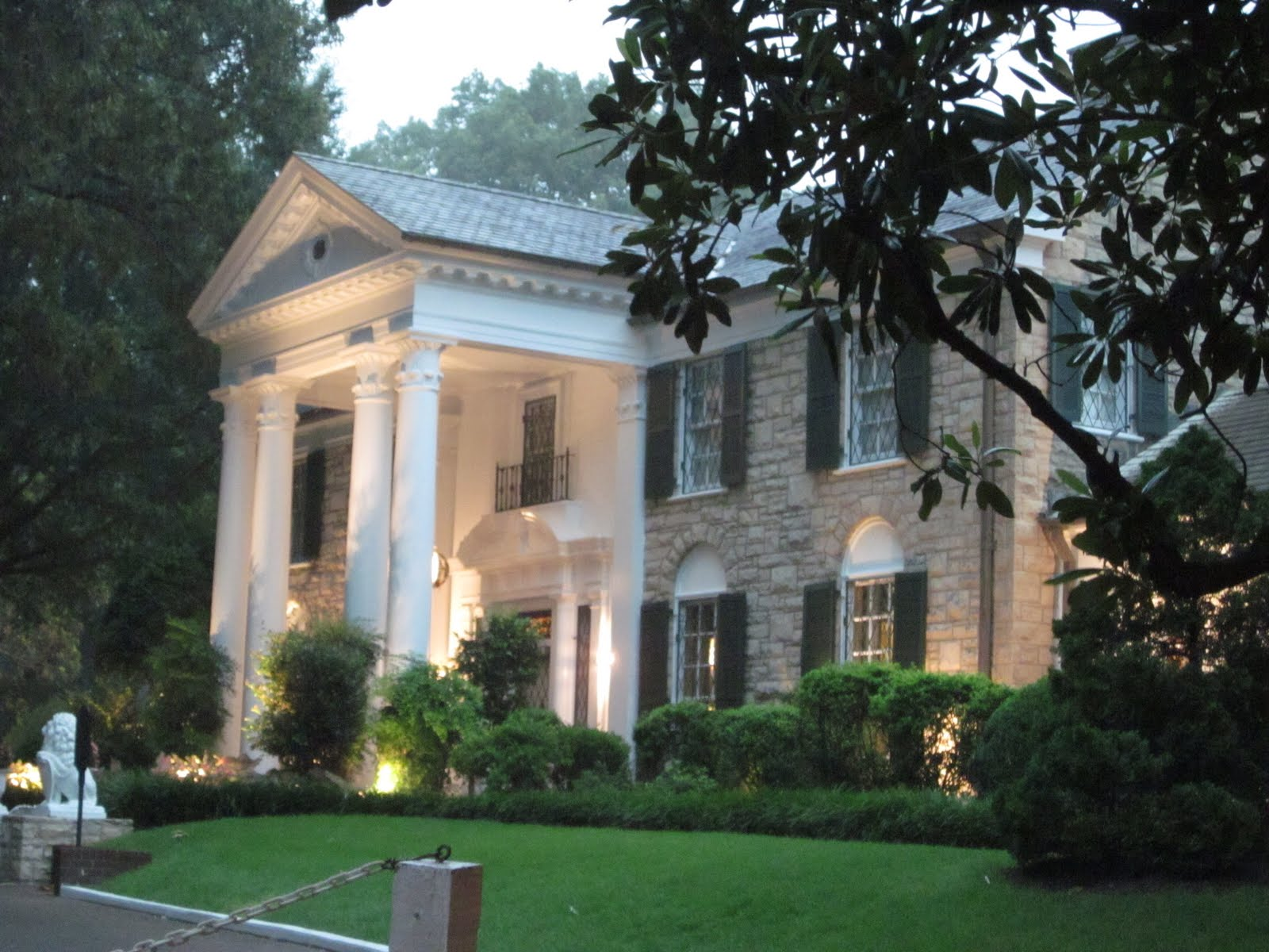 Chicago to Phoenix: Graceland Mansion