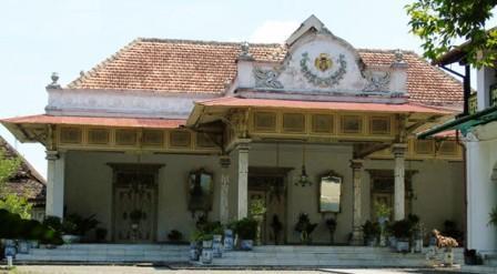 Islam tersebar di berbagai daerah di Indonesia Keunikan Arsitektur Bangunan Peninggalan Islam