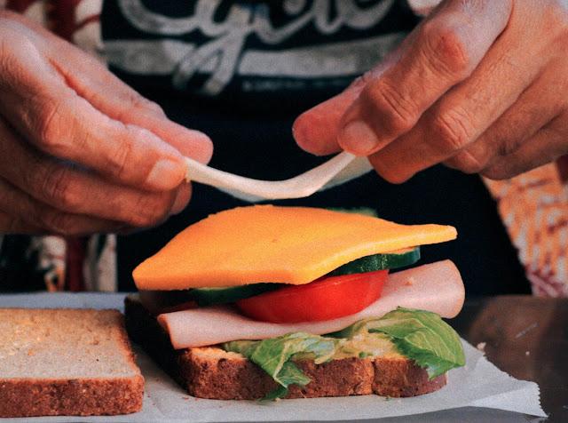 EIN KURZFILM ÜBER DAS PERFEKTE SANDWICH | DANDEKAR MAKES A SANDWICH