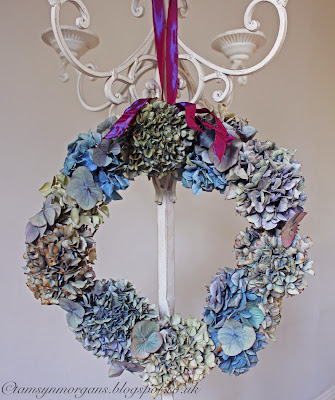 Hydrangea Wreath Tutorial – Guest Post at Apartment Apothecary