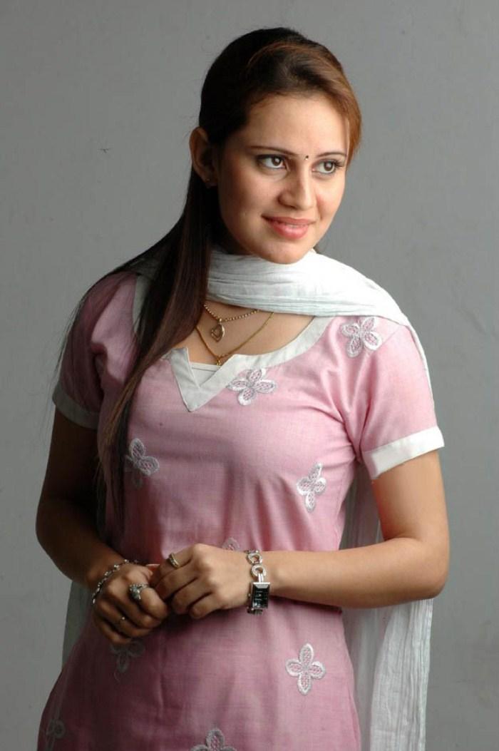 Tamil Actress Caroline Mariya Asan Arrested In Pune