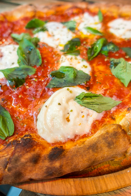 Pizza at Prima Sapori Italia - London, England