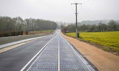 Jalan Raya Dengan Panel Solar Terbina Pertama di Dunia