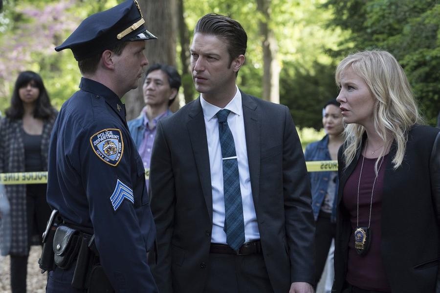 Law & Order: Special Victims Unit - Season 17 Episode 03: Transgender Bridge