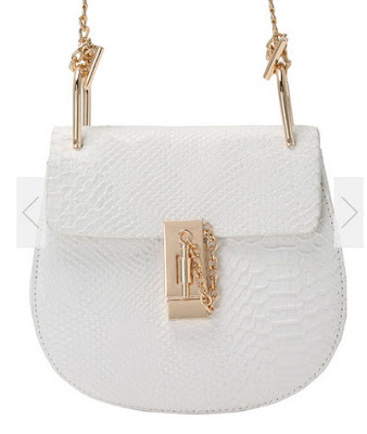 http://www.romwe.com/Crocodile-Embossed-Pin-Lock-Chain-Saddle-Bag-p-151090-cat-692.html?utm_source=provarexcredere1.blogspot.it&utm_medium=blogger&url_from=provarexcredere1